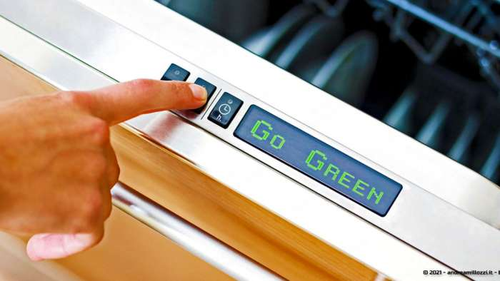 Guida lavastoviglie a basso consumo energetico | come leggere la nuova etichetta europea e a cosa stare attenti nella scelta