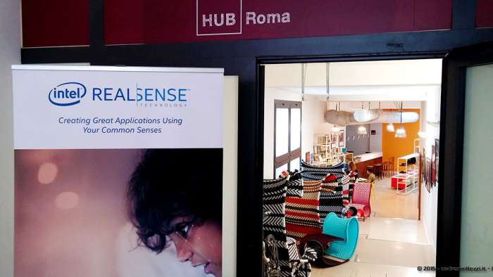 Andrea Millozzi blog - Intel® RealSense™ 3D Hands-on Lab Roma 2015: la tecnologia del futuro è a portata di webcam - ingresso Hub Roma