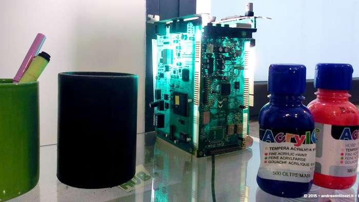 Andrea Millozzi blog - Intel® RealSense™ 3D Hands-on Lab Roma 2015: la tecnologia del futuro è a portata di webcam - dettaglio lampada