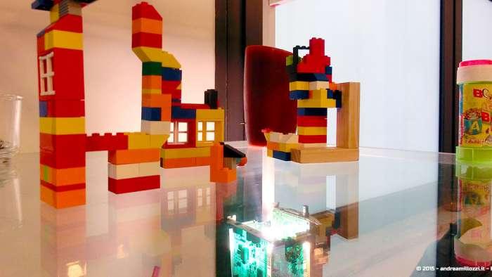 Andrea Millozzi blog - Intel® RealSense™ 3D Hands-on Lab Roma 2015: la tecnologia del futuro è a portata di webcam - dettaglio Lego
