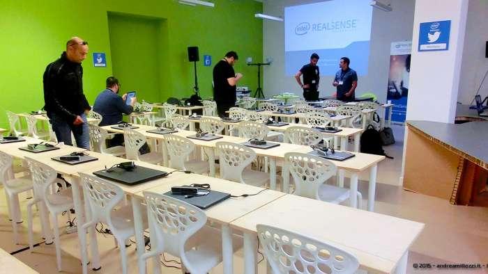 Andrea Millozzi blog - Intel® RealSense™ 3D Hands-on Lab Roma 2015: la tecnologia del futuro è a portata di webcam - sala