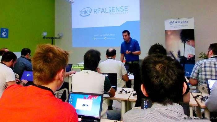 Andrea Millozzi blog - Intel® RealSense™ 3D Hands-on Lab Roma 2015: la tecnologia del futuro è a portata di webcam - corso