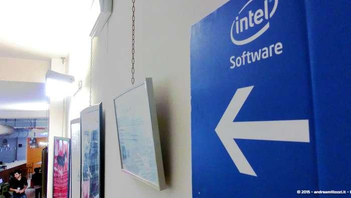 Andrea Millozzi blog - Intel® RealSense™ 3D Hands-on Lab Roma 2015: la tecnologia del futuro è a portata di webcam - corridoio Hub Roma