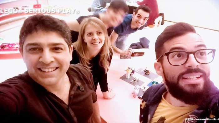 Andrea Millozzi blog | Lego Serious Play: il problem solving collaborativo per effettuare il brain storming e facilitare il team building giocando | momento selfie
