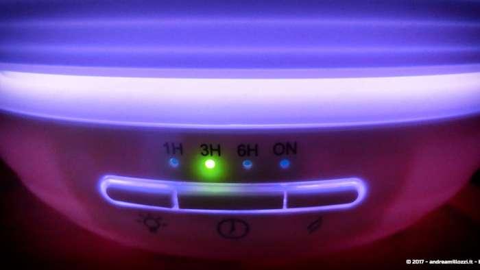 Andrea Millozzi blog | Diffusore per aromi ad ultrasuoni e lampada a LED: dispositivo a basso costo utile per umidificare, come ausilio per la cromoterapia e per i momenti di relax | dettaglio pulsanti frontali