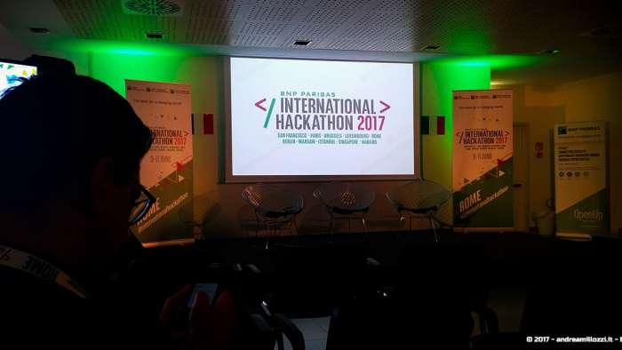 Andrea Millozzi blog | International Hackathon 2017: come nasce una startup innovativa? Ti racconto tutti i retroscena | la sala